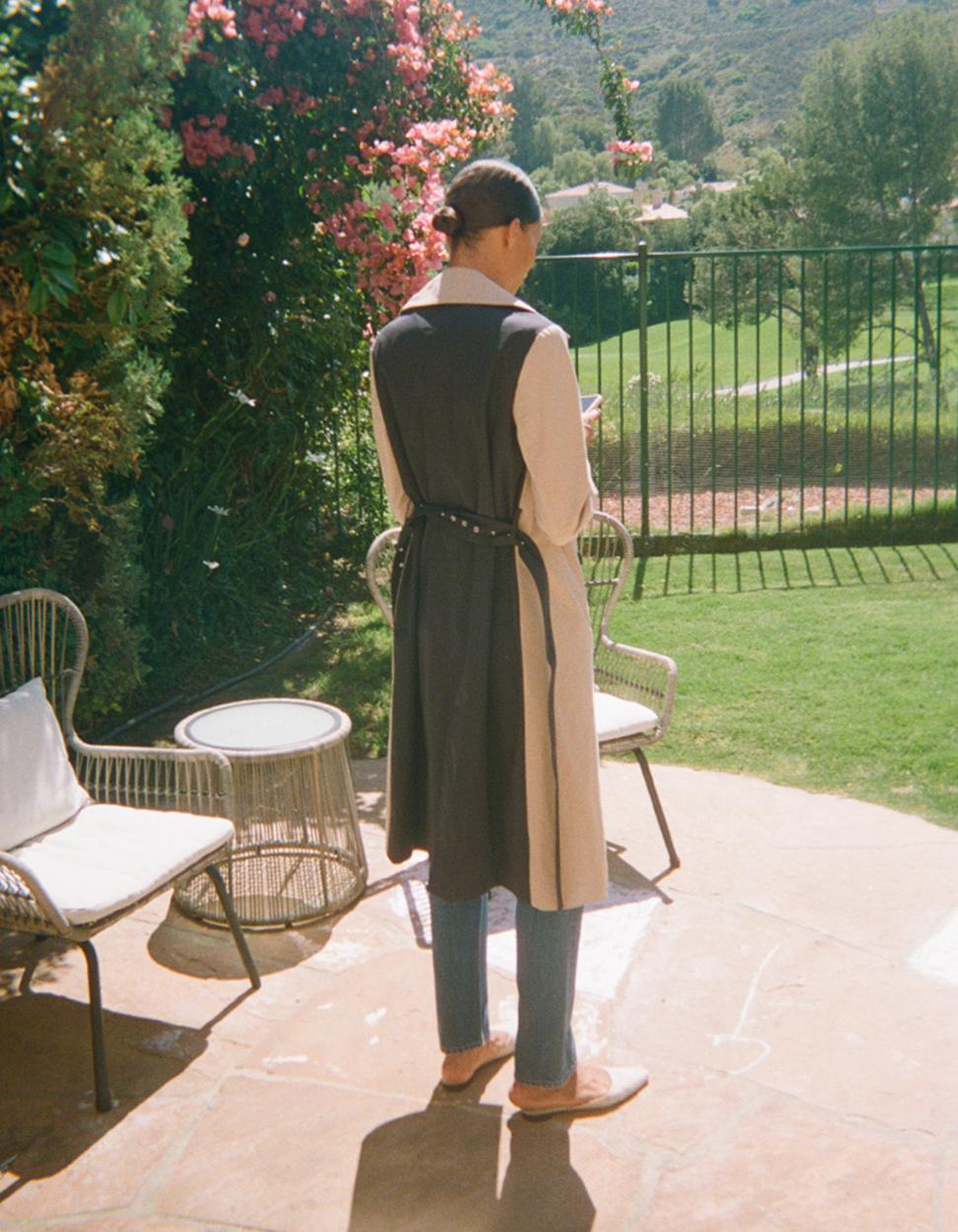 Women's versatile colorblock trench coat.